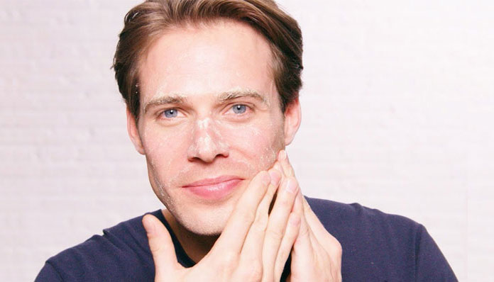 10 Best Men S Face Scrubs For Dry Skin Treatment Facecaretalks